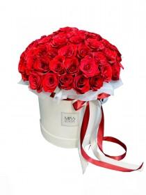 Гранд-коробка с 51 алой розой