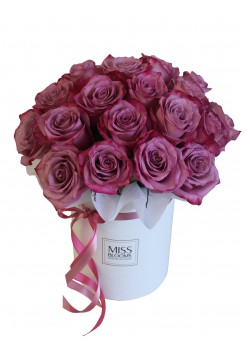 Ароматная коробка с сиреневыми розами