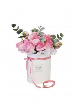 Шикарный букет из микса розовых роз